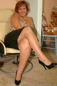 secretary feet Bbw nylon