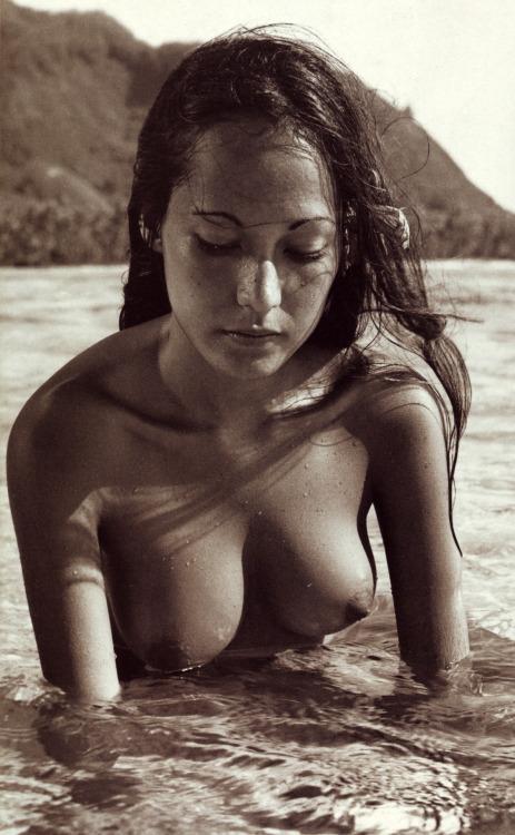beach Tahiti nude