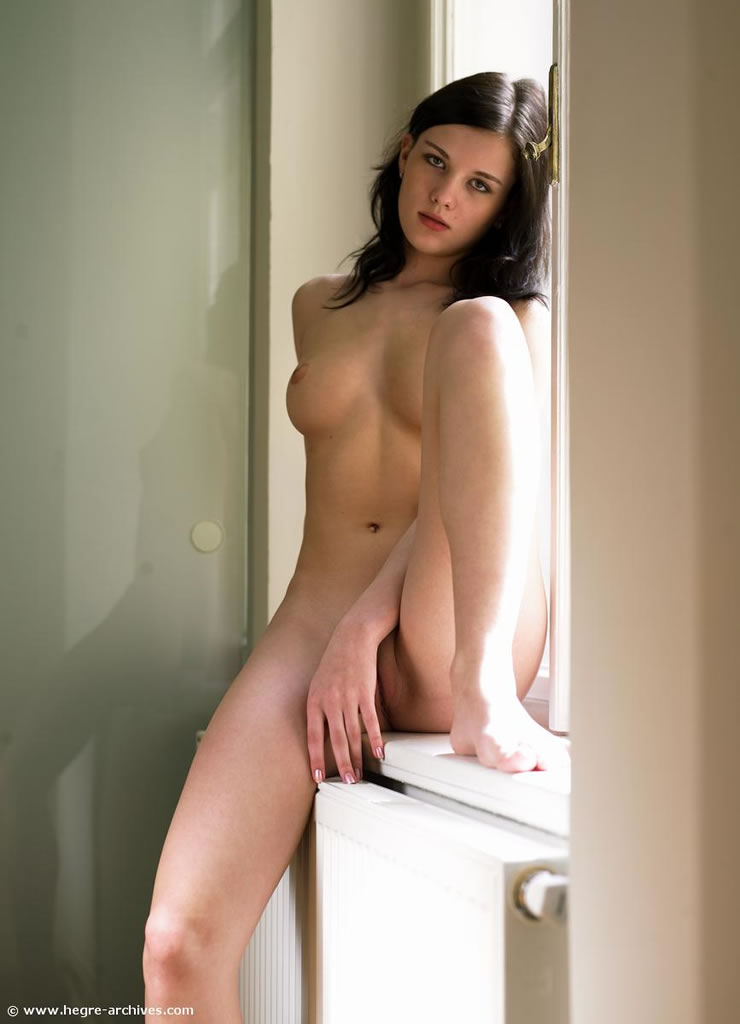 nude model femjoy Mona