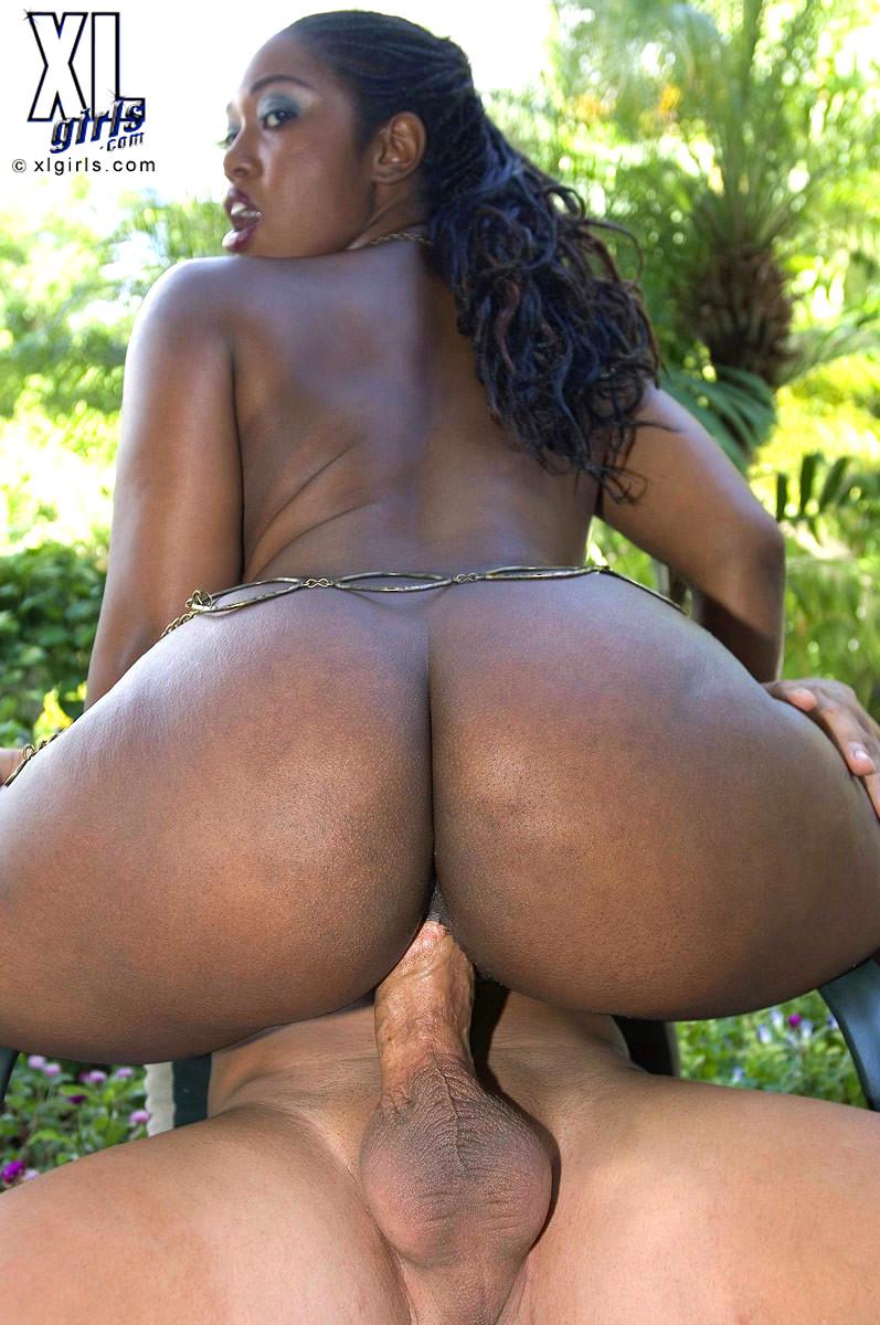 ass nude huge pics ebony