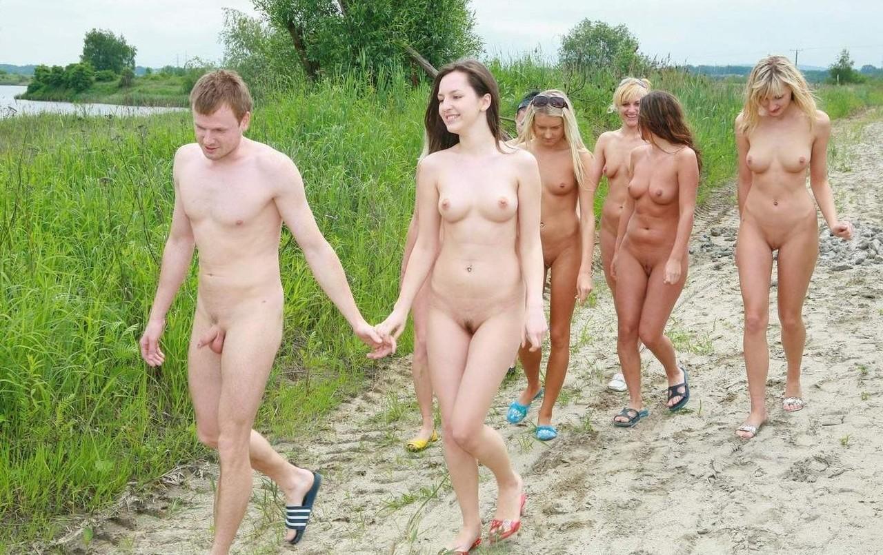 Bare family Nudist