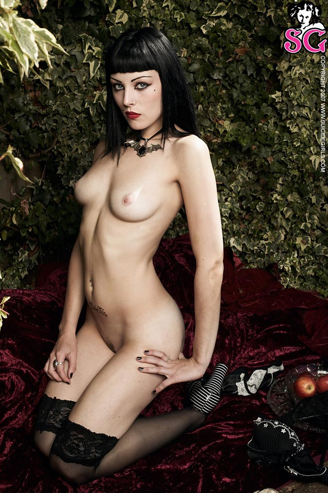 girls Nude halloween