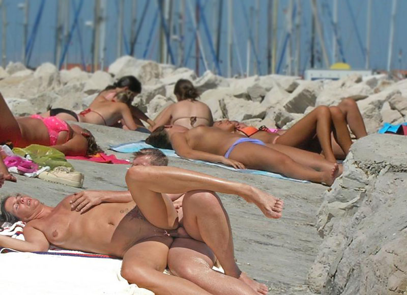 sex on beach public Couples having