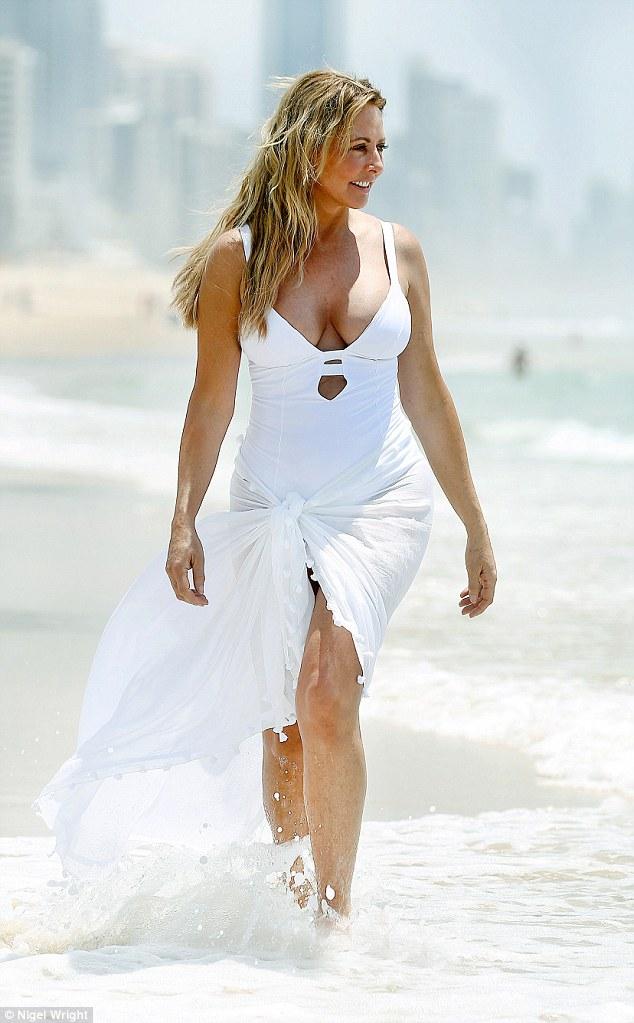 Sunny leone fake nude photos