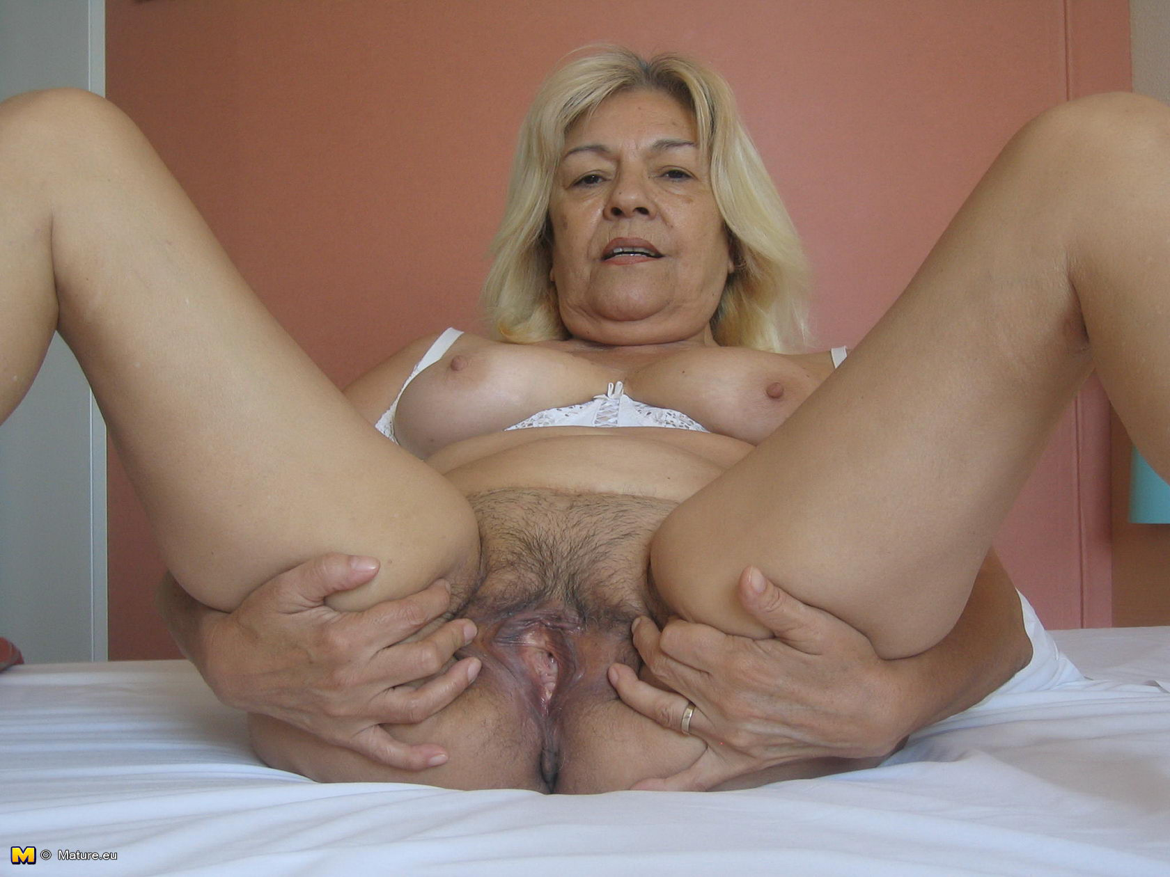 70 Year Old Granny Porn 70 year old women pussy porno chaude   free hot nude porn