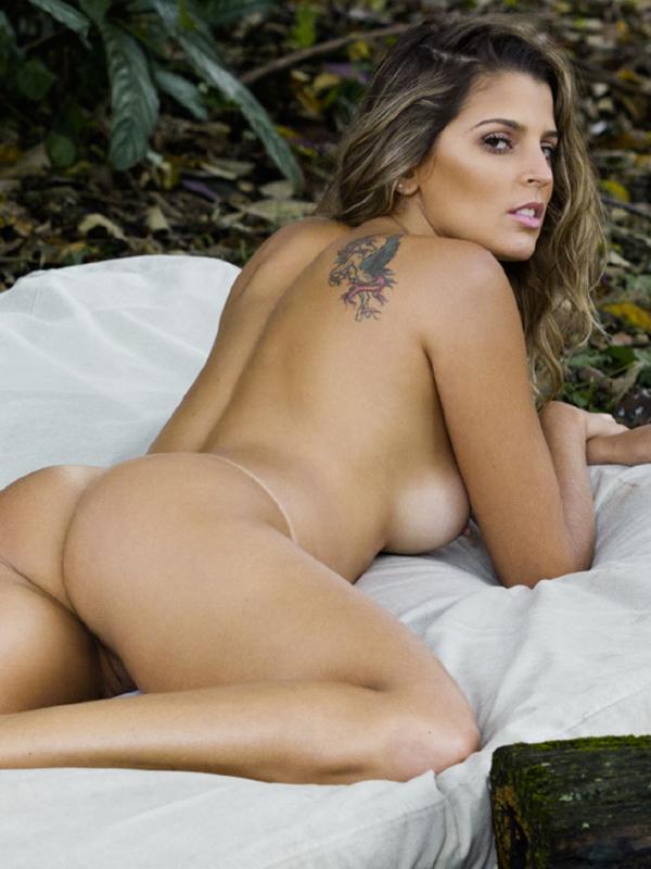 lena headey posed nude