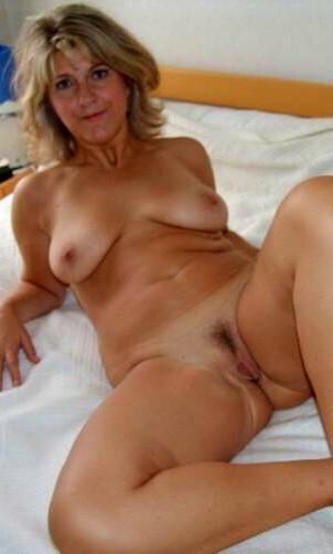 British naked milfs hanging tits