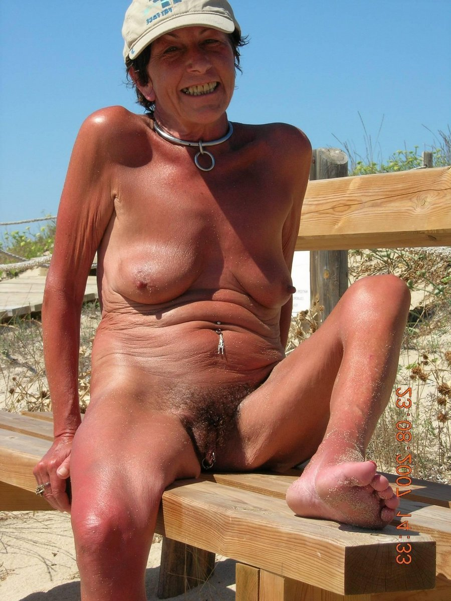mature beach Lesbian nude