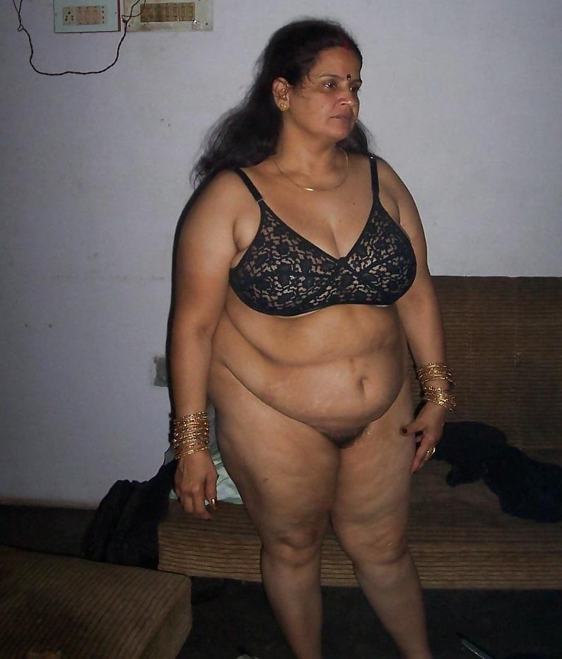 aunties nude hot