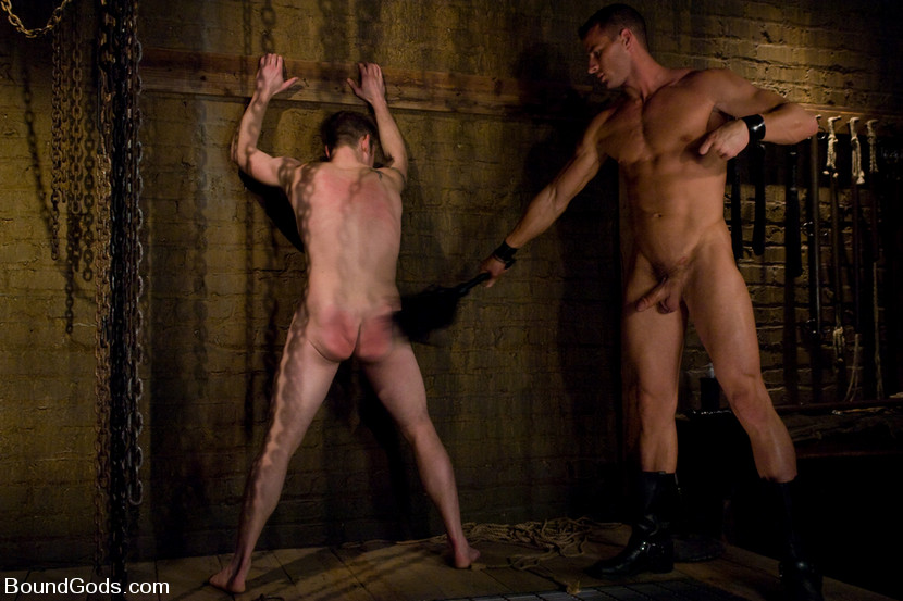 viewing naked slave