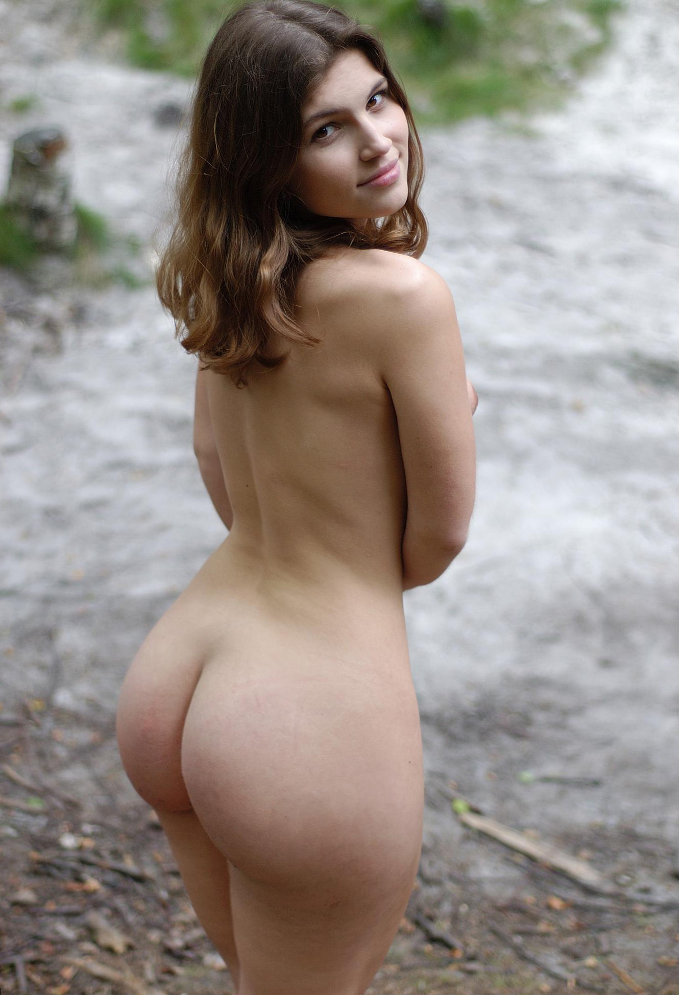 Nude Girl Big Butt