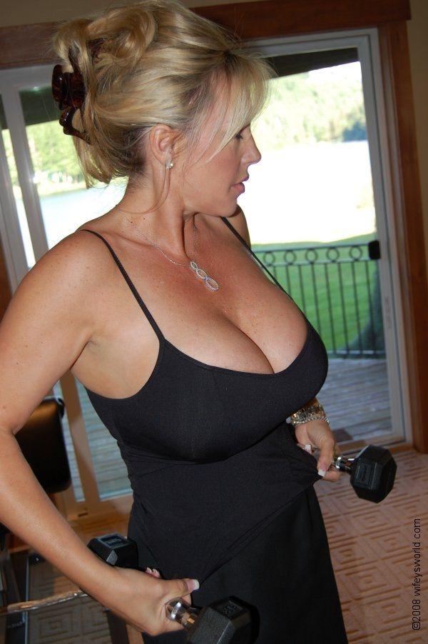 Mature Milfs In Low Cut Dresses Pics