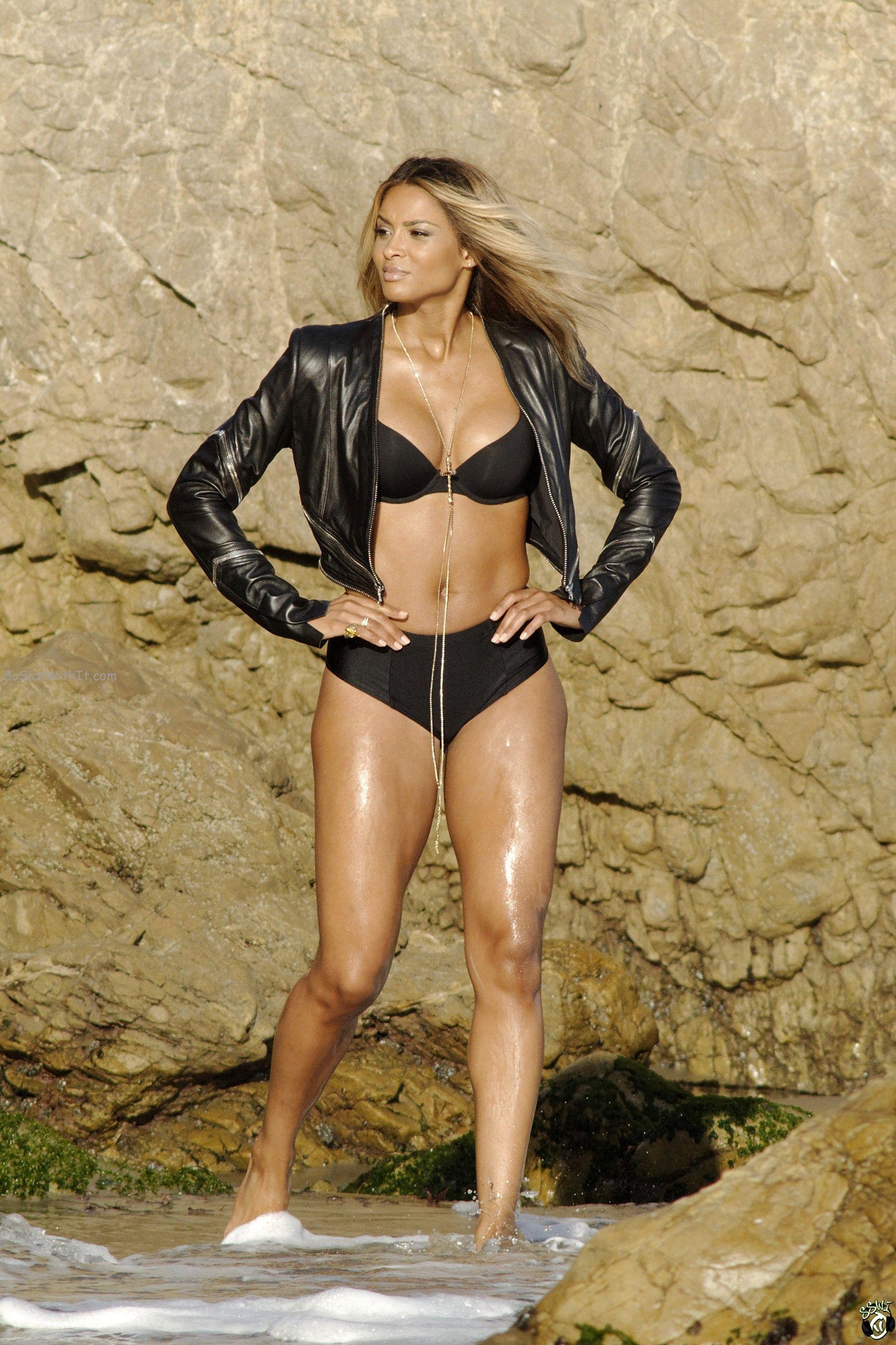 butt Singer ciara bikini