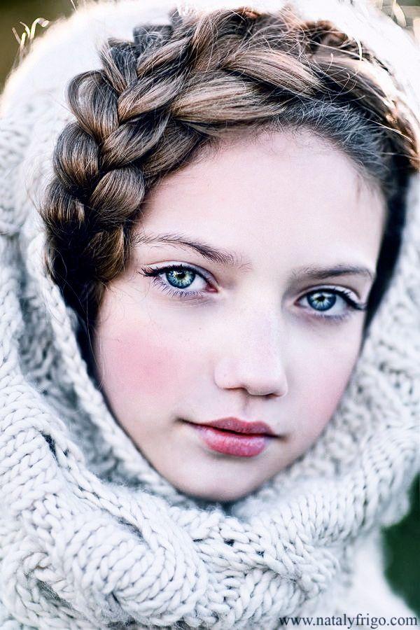 brown blue hair with eyes Beautiful girls