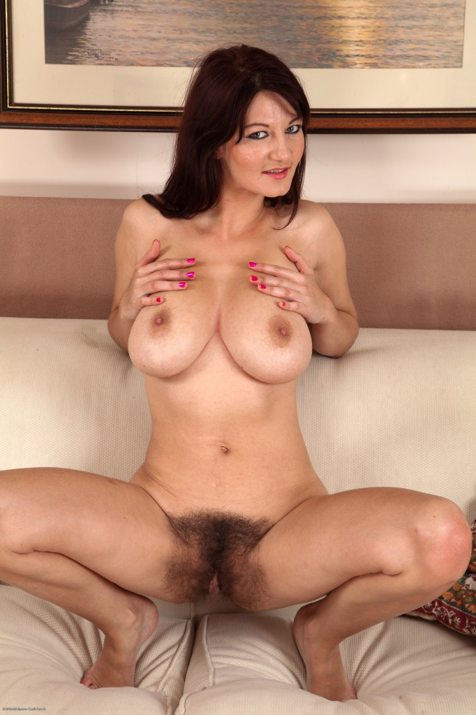 Mature nude brunette video