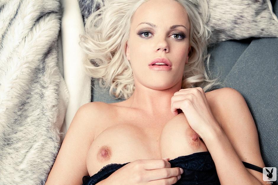 denea girls nude playboy Justine