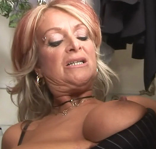 cum face Cougar on