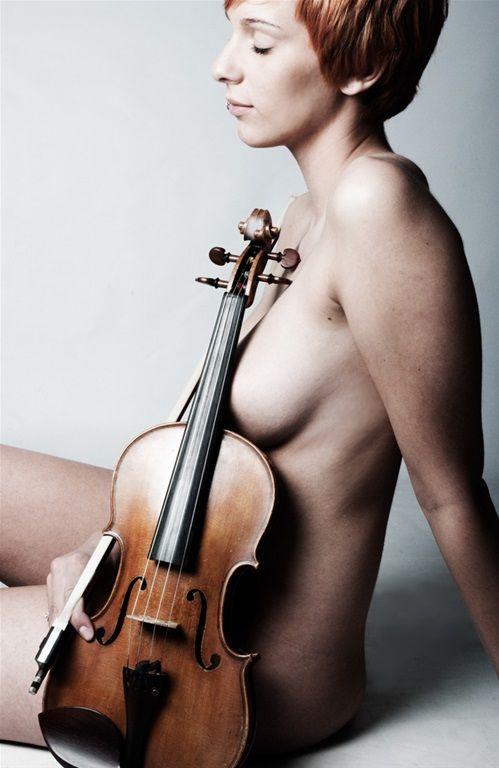 musicians nude Violin