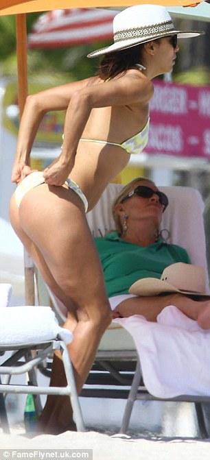 bikini wedgie Fergie