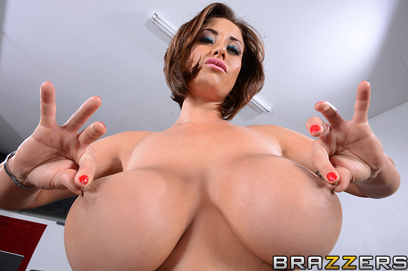 August Taylor Big Tits
