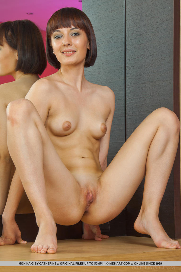art Mom naked pics xxx pussy met