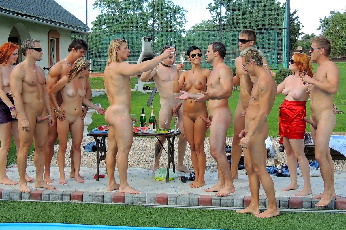 party Naturist pool