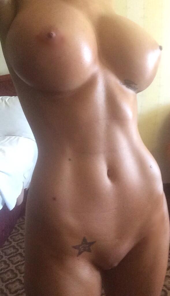 tight abs Selfie big tits